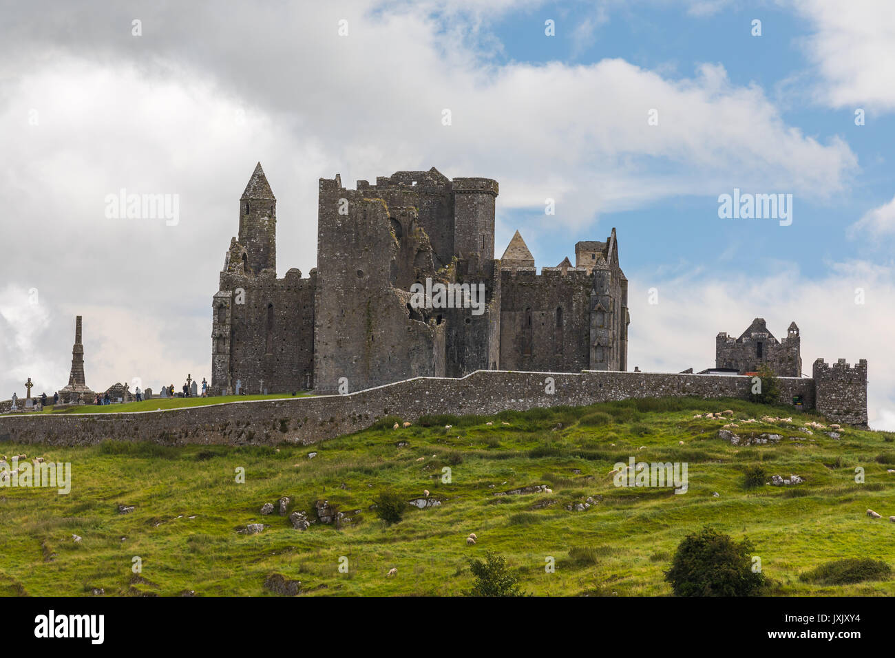 Le rocher de Cashel, également connu sous le nom de Cashel des Rois et Saint Patrick's Rock, est un site historique situé à Cashel (comté de T Photo Stock