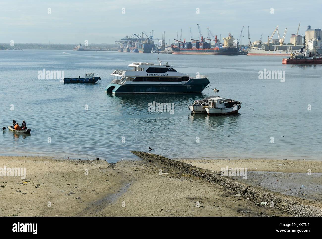 Tanzanie Dar es Salaam , maison arabe de paix, port / Tanzanie Dar es Salam, Hafen Photo Stock