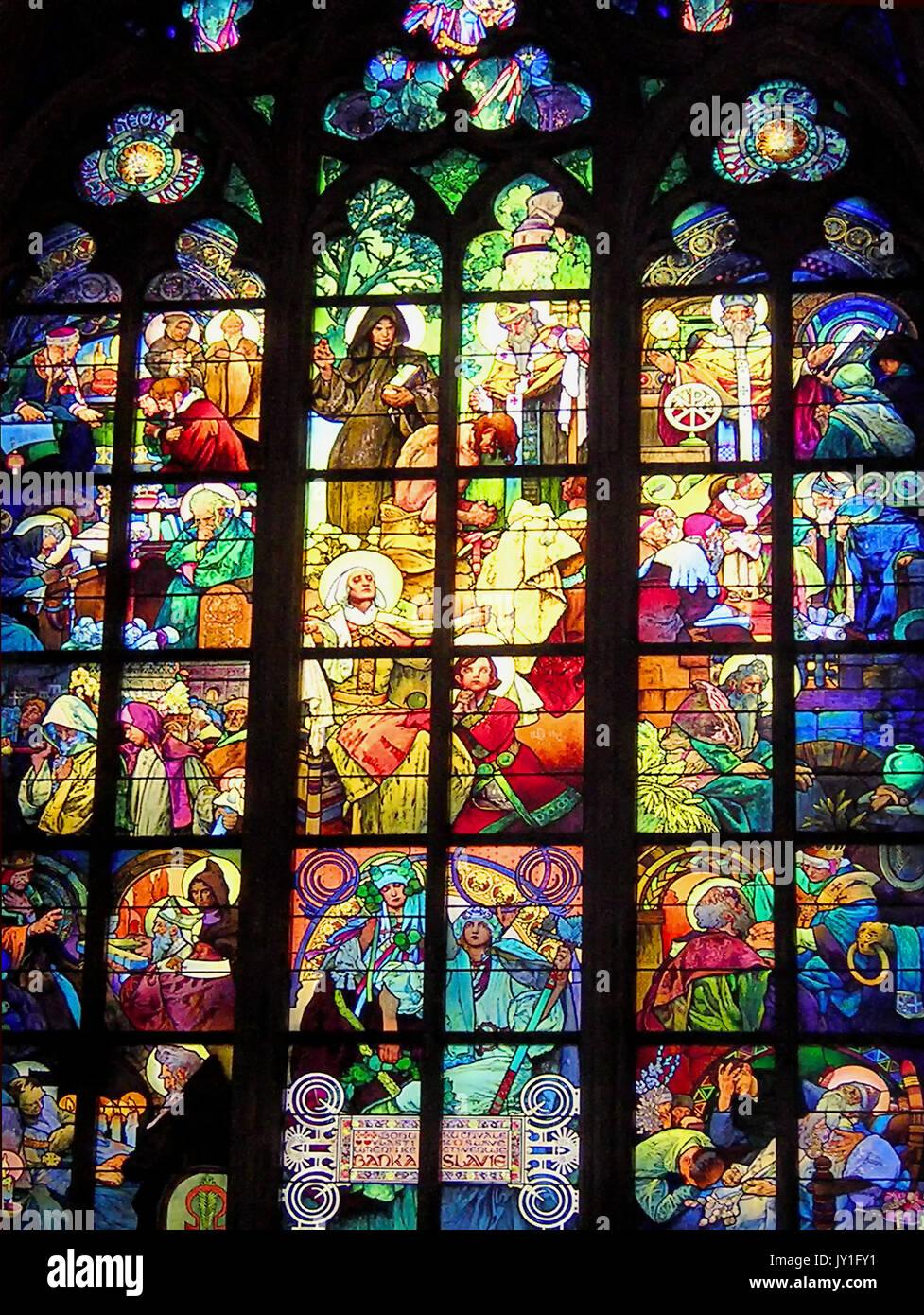 Vitrail Par Alfons Mucha Dans La Cathédrale Saint Guy De Prague Prague République Tchèque Photo Stock Alamy