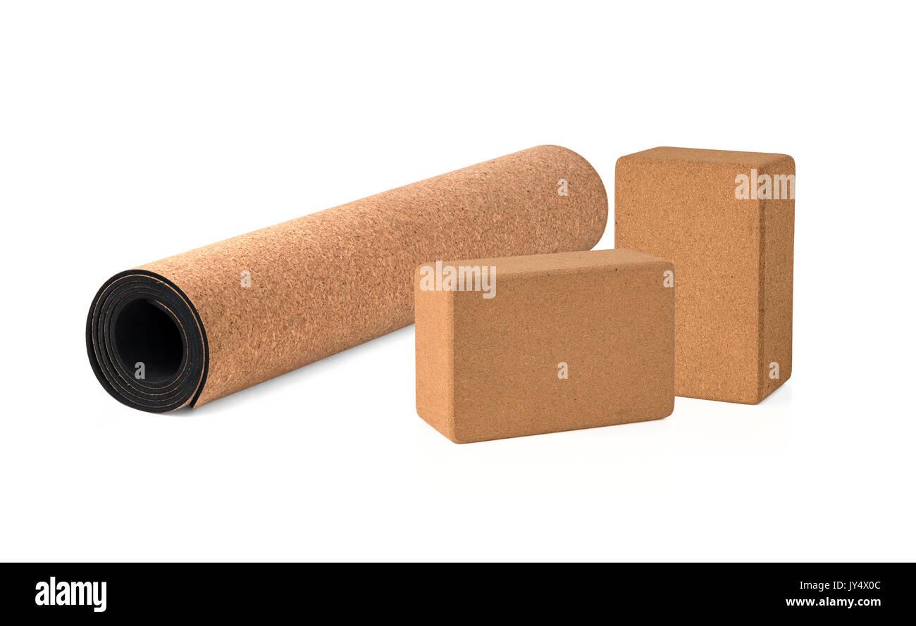Le Yoga Mat Cork et les blocs et Premium Eco Friendly sur fond blanc Banque D'Images