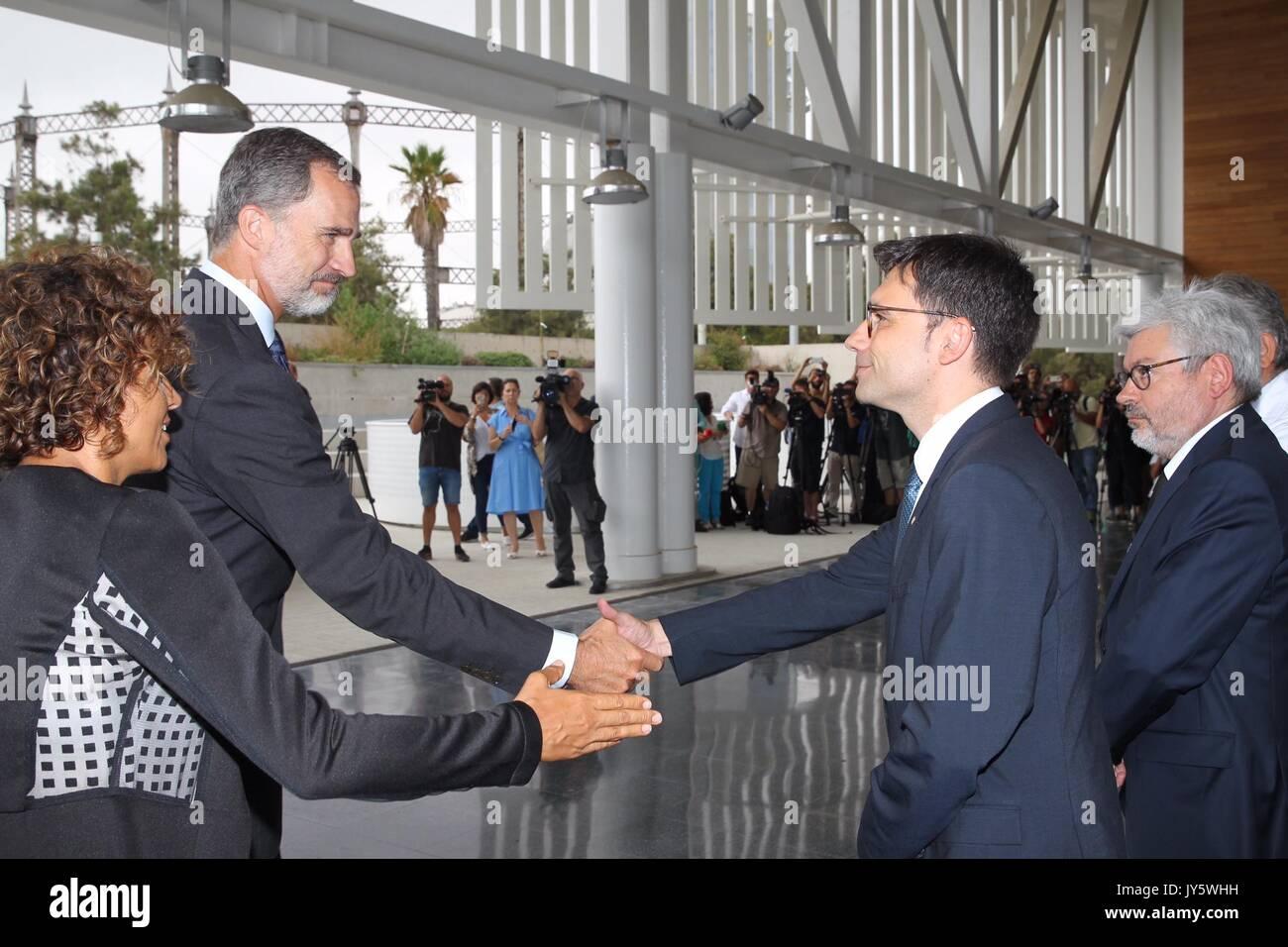 Barcelone, Espagne. Août 19, 2017. Les rois espagnols Felipe VI la visite médicale du personnel en cas d'urgence, Banque D'Images
