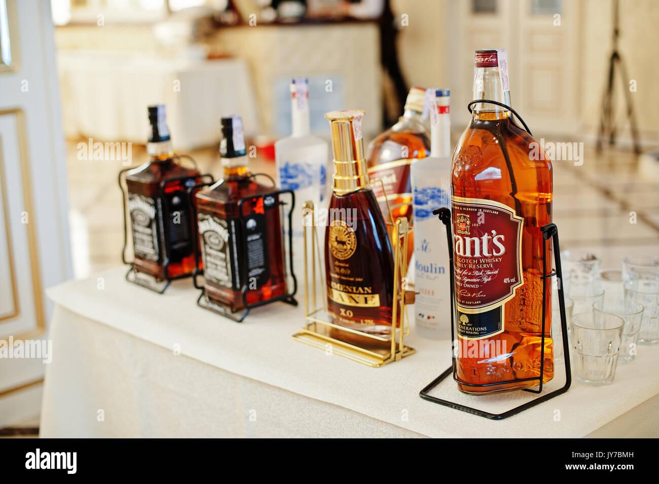 datant Jack Daniels bouteille Hook up Altec Lansing haut-parleurs