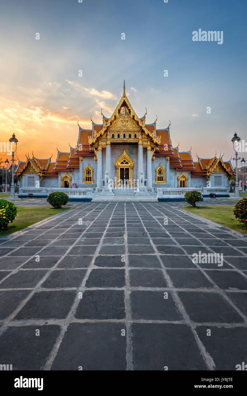 Le Temple de marbre au coucher du soleil, Bangkok, Thaïlande Photo Stock