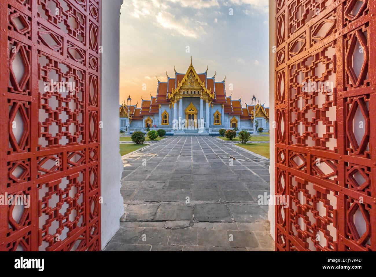 À l'entrée en Temple, Wat Benchamabophit, Bangkok, Thaïlande Photo Stock