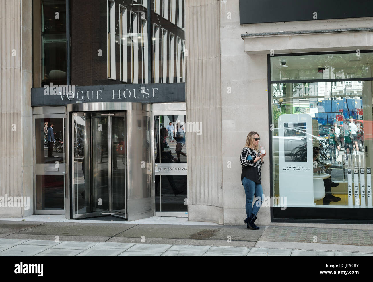 Vogue House, siège du magazine de mode administré par Conde Nast. Mayfair, London, UK Photo Stock