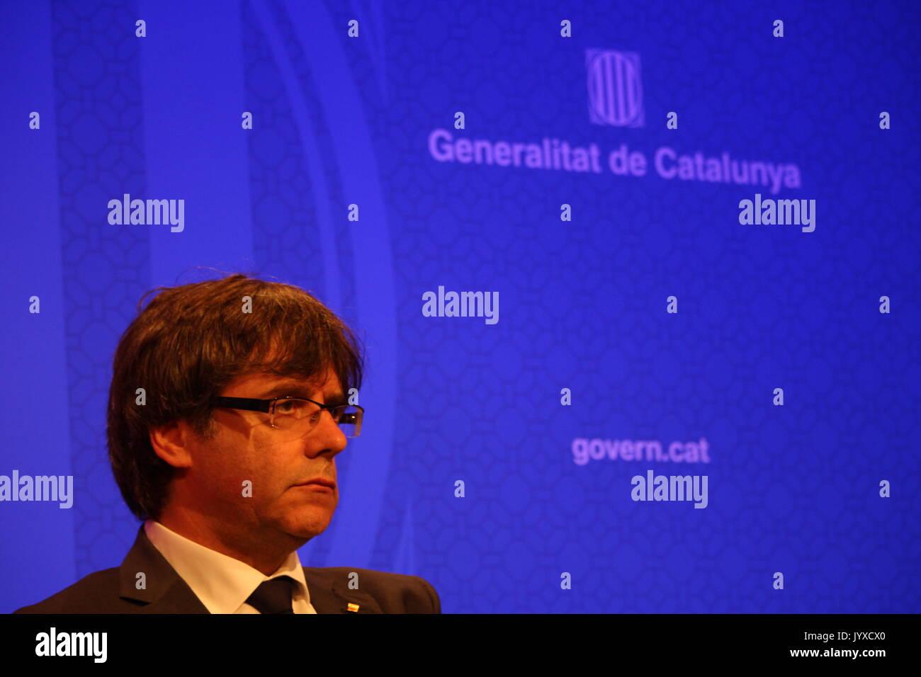 Barcelone, Espagne. 20e Août, 2017. Le président du gouvernement de la Catalogne Carles Puigdemont, salles de la presse étrangère à Palau de la Generalitat trois jours après l'attaque terroriste sur Ramblas Crédit: Dino/Geromella Alamy Live News Banque D'Images