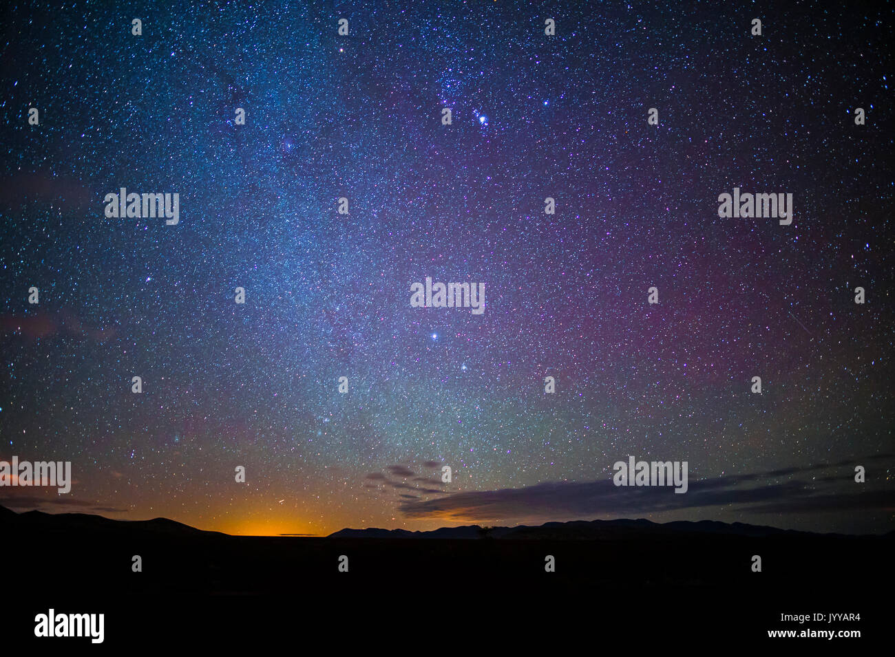Les étoiles dans le ciel nocturne Photo Stock