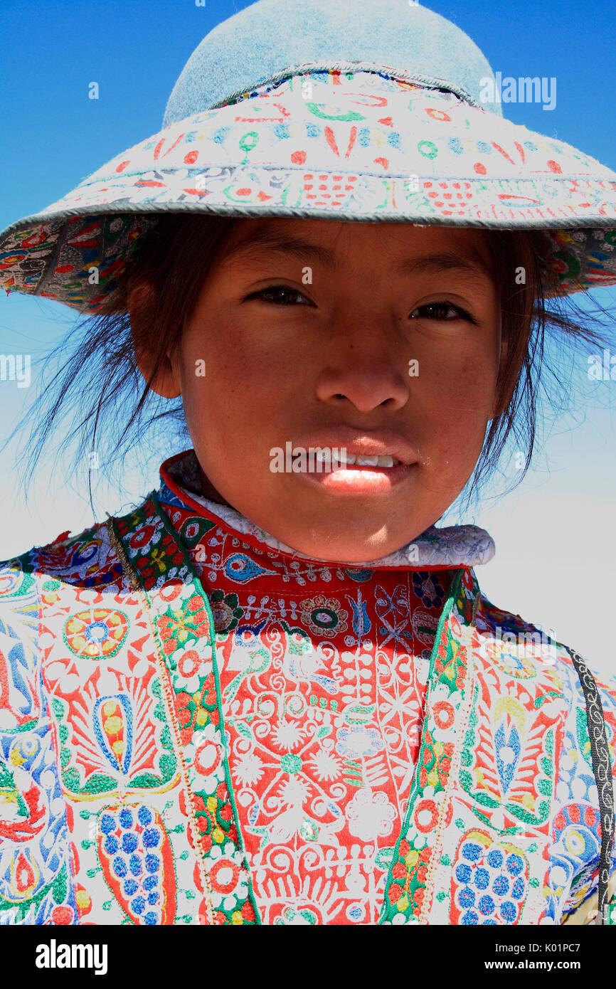 Traditionnelles Considérablement La Couleur Varie Robe Quechua Dans CrxdBoe