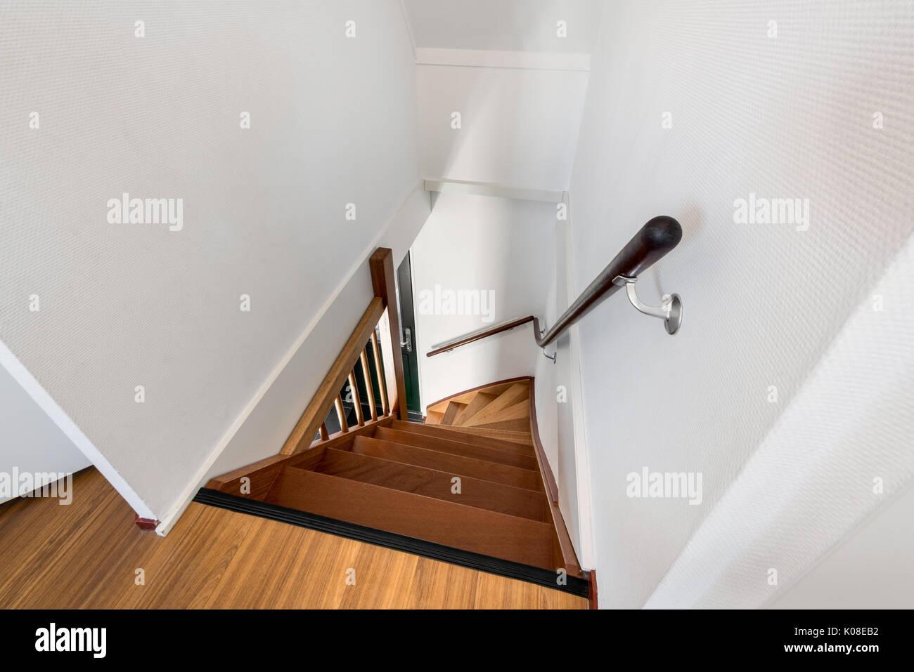 Escalier en bois moderne dans maison Banque D\'Images, Photo Stock ...
