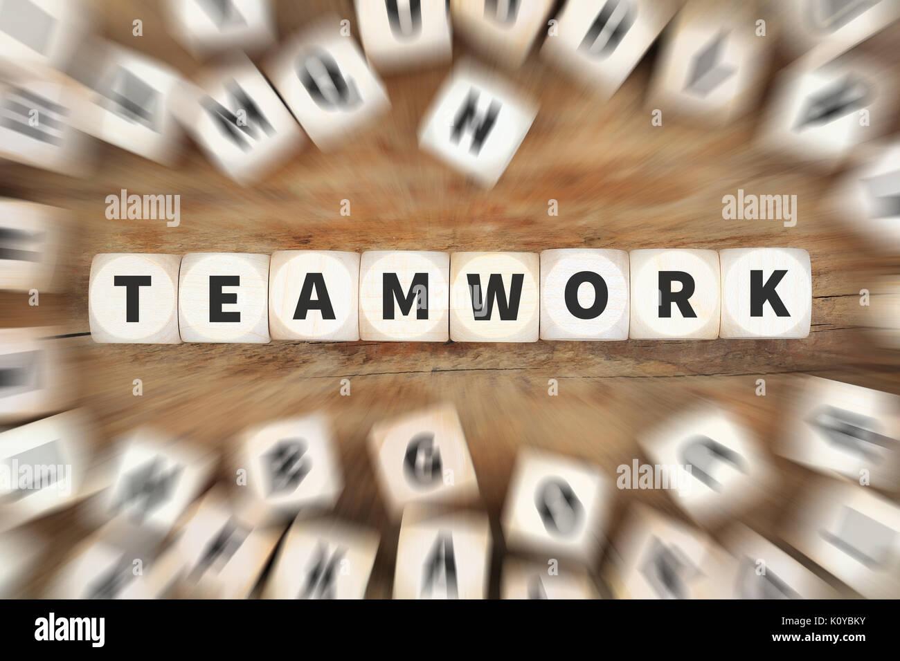Le succès de l'équipe d'équipe ensemble réussi d'affaires idée concept dés Photo Stock