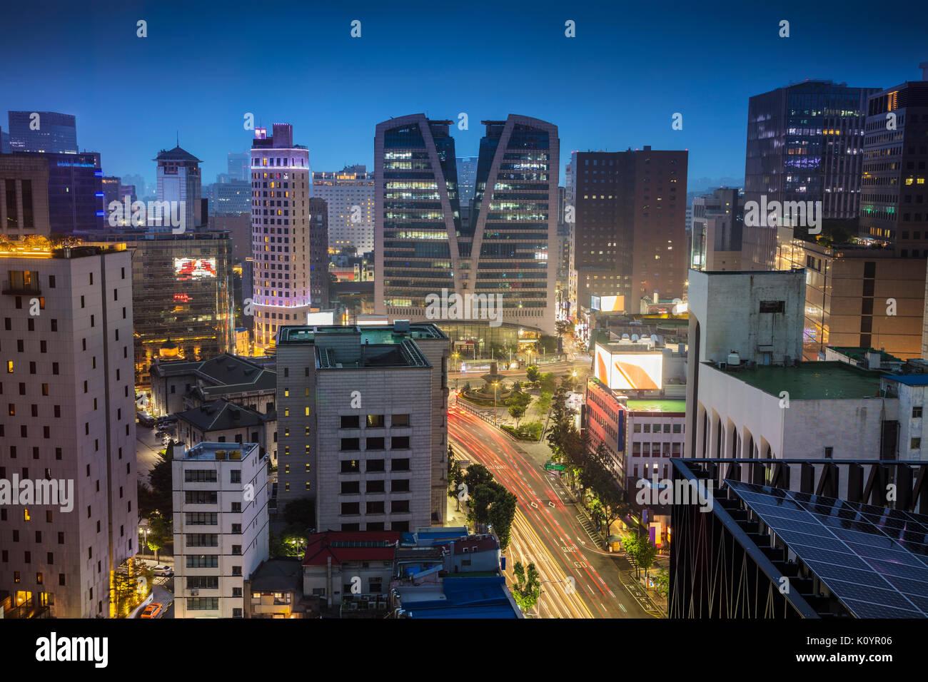 Séoul. cityscape image de centre-ville de Séoul pendant le crépuscule heure bleue. Banque D'Images