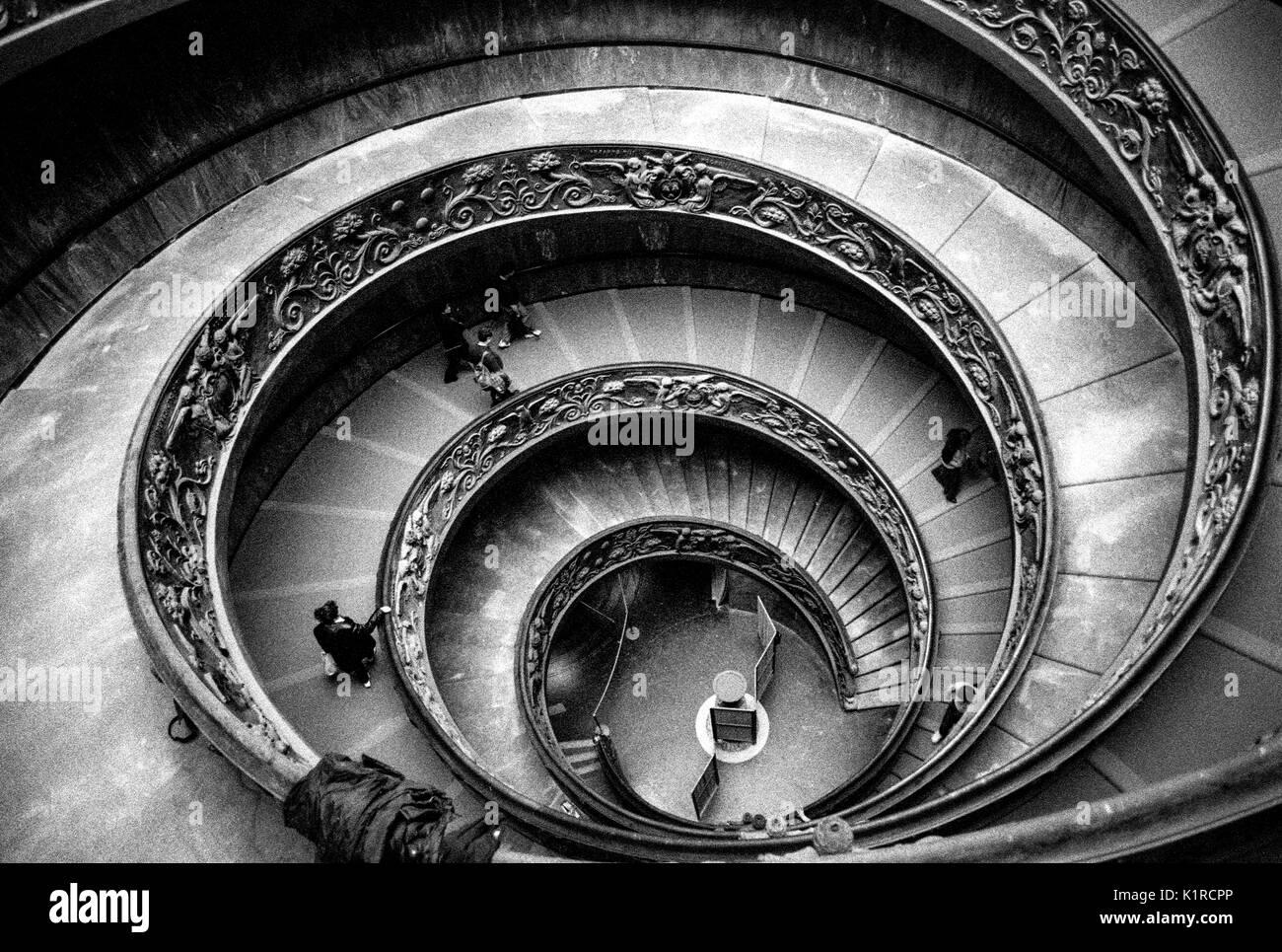 Escalier Momo le Musée du Vatican Rome numérisées à partir de Film en noir et blanc Photo Stock