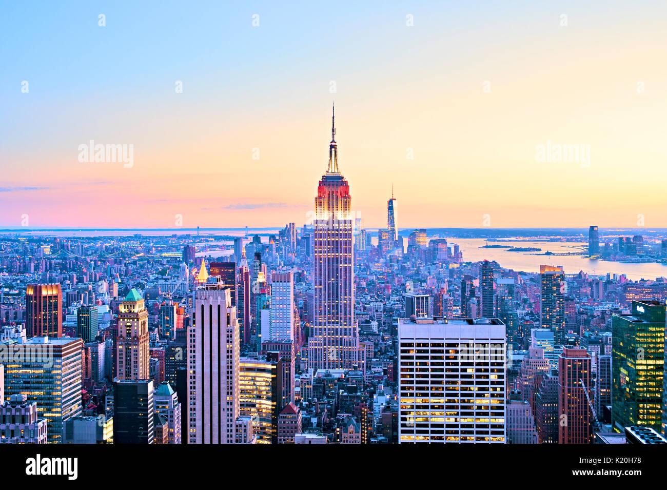 New York City Skyline haut de l'antenne de Rock Empire State Building Banque D'Images