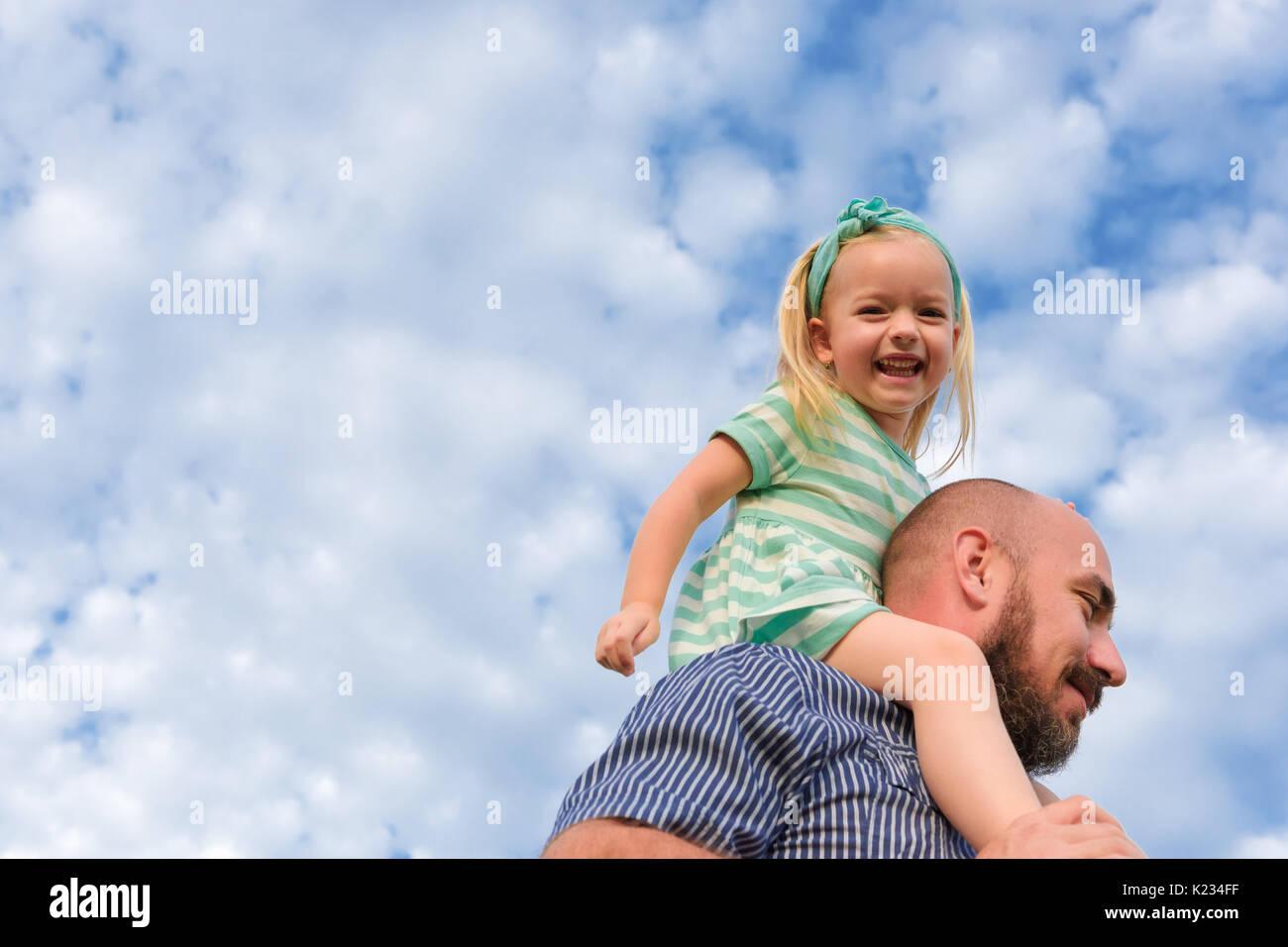 Adorable père fille portrait, famille heureuse, concept de la fête des pères Photo Stock