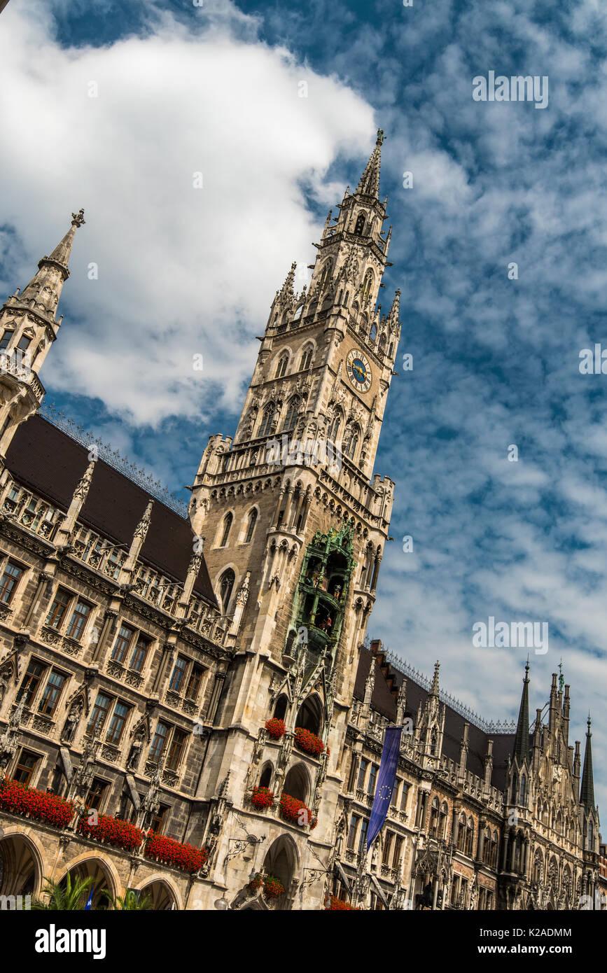 Nouvel hôtel de ville ou Neues Rathaus, Marienplatz, Munich, Bavière, Allemagne Photo Stock