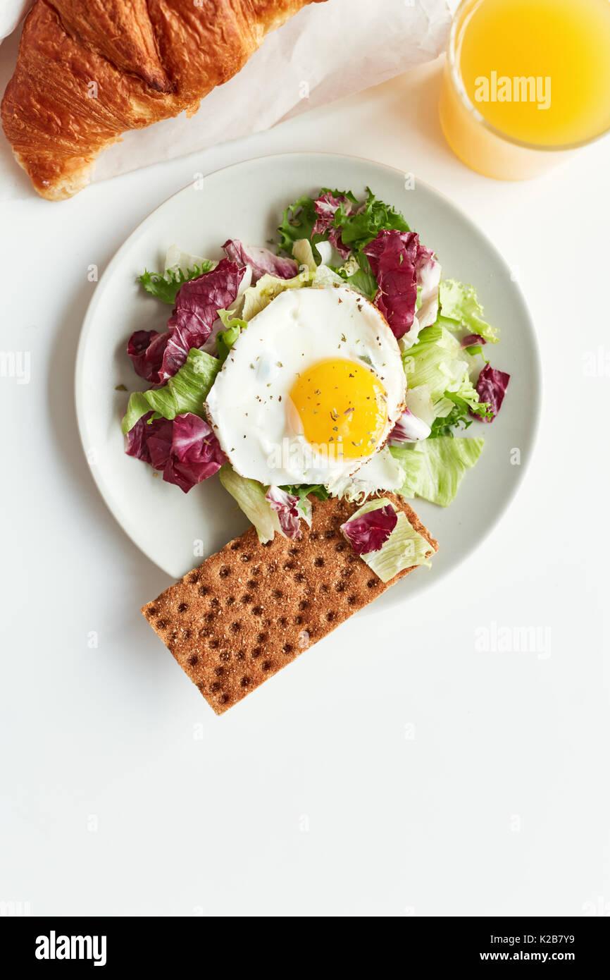 Délicieux petit déjeuner pour une personne Photo Stock