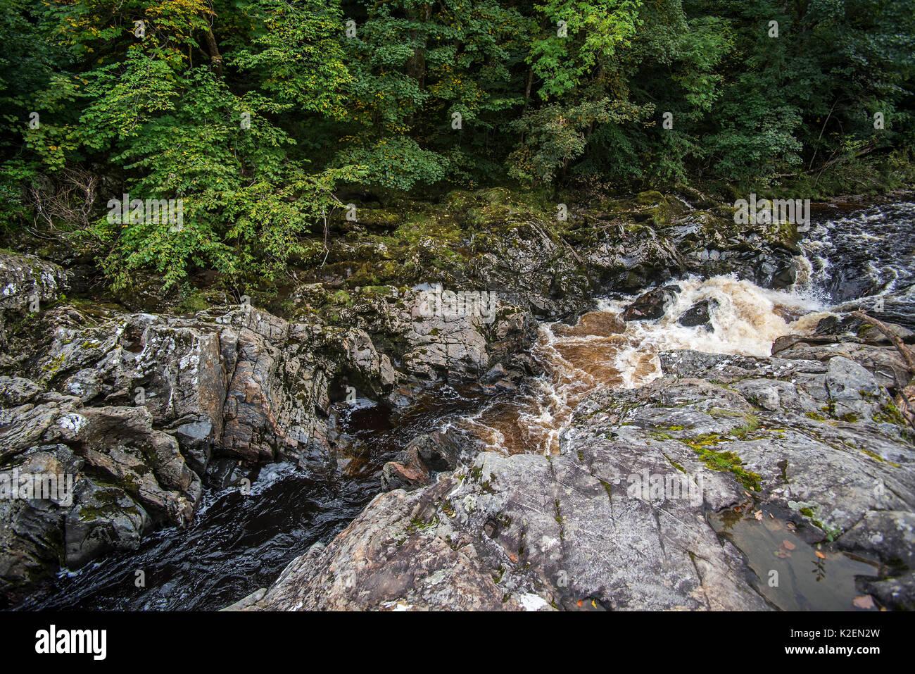 Soldier's Leap, tache historique le long de la rivière Garry au col de Killiecrankie, Écosse, Royaume-Uni, septembre Banque D'Images