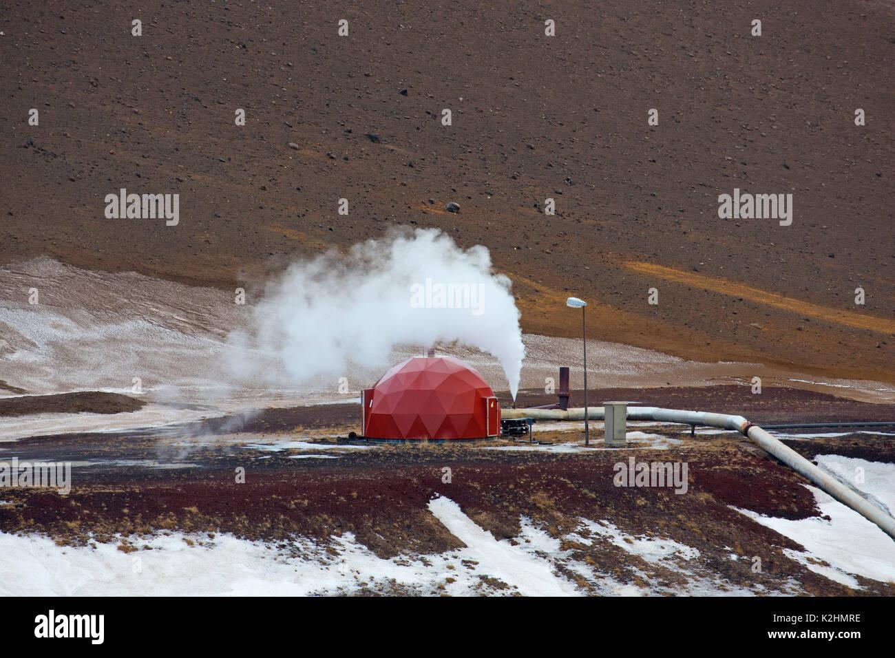 Centrale électrique géothermique de Krafla près du volcan Krafla et le lac Mývatn en hiver, l'Islande Photo Stock