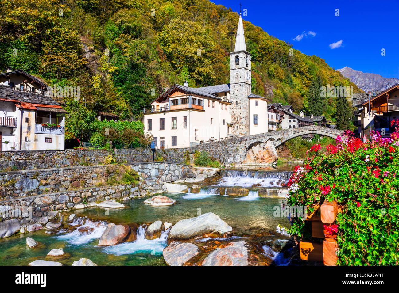 Lillianes picturale,village valle d'aoste,italie. Photo Stock