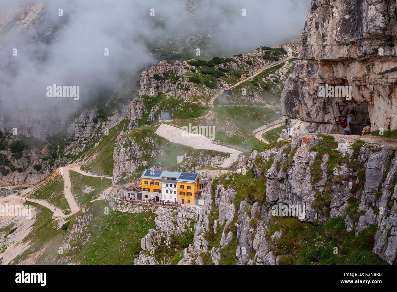 Papa refuge, Veneto, Italie. Papa refuge du 52 galeries de Pasubio mountain Photo Stock