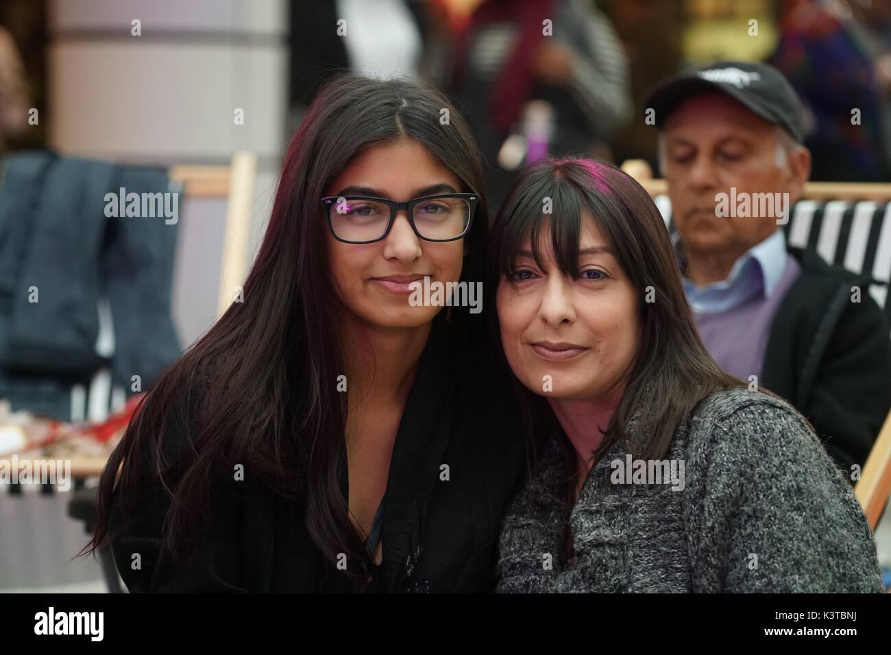 Londres, Royaume-Uni. Sep, 2017 3. Charis Bechan finalistes et sa mère assistent à la maire de Londres Concerts à Westfield London. Credit: Voir Li/Alamy Live News Banque D'Images
