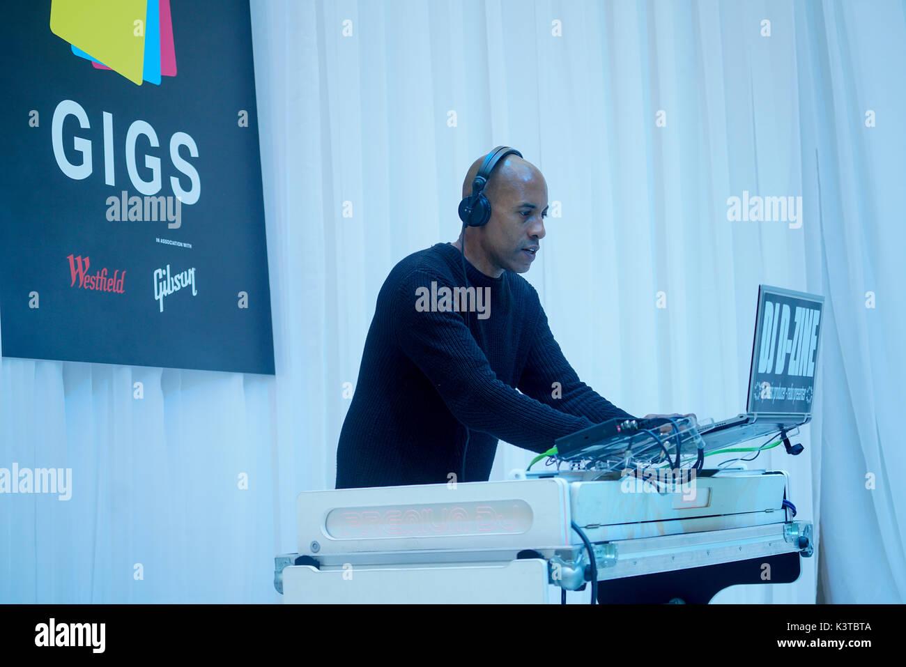 Londres, Royaume-Uni. Sep, 2017 3. DJ D-Zine effectue le maire de Londres Concerts à Westfield London. Credit: Voir Li/Alamy Live News Banque D'Images
