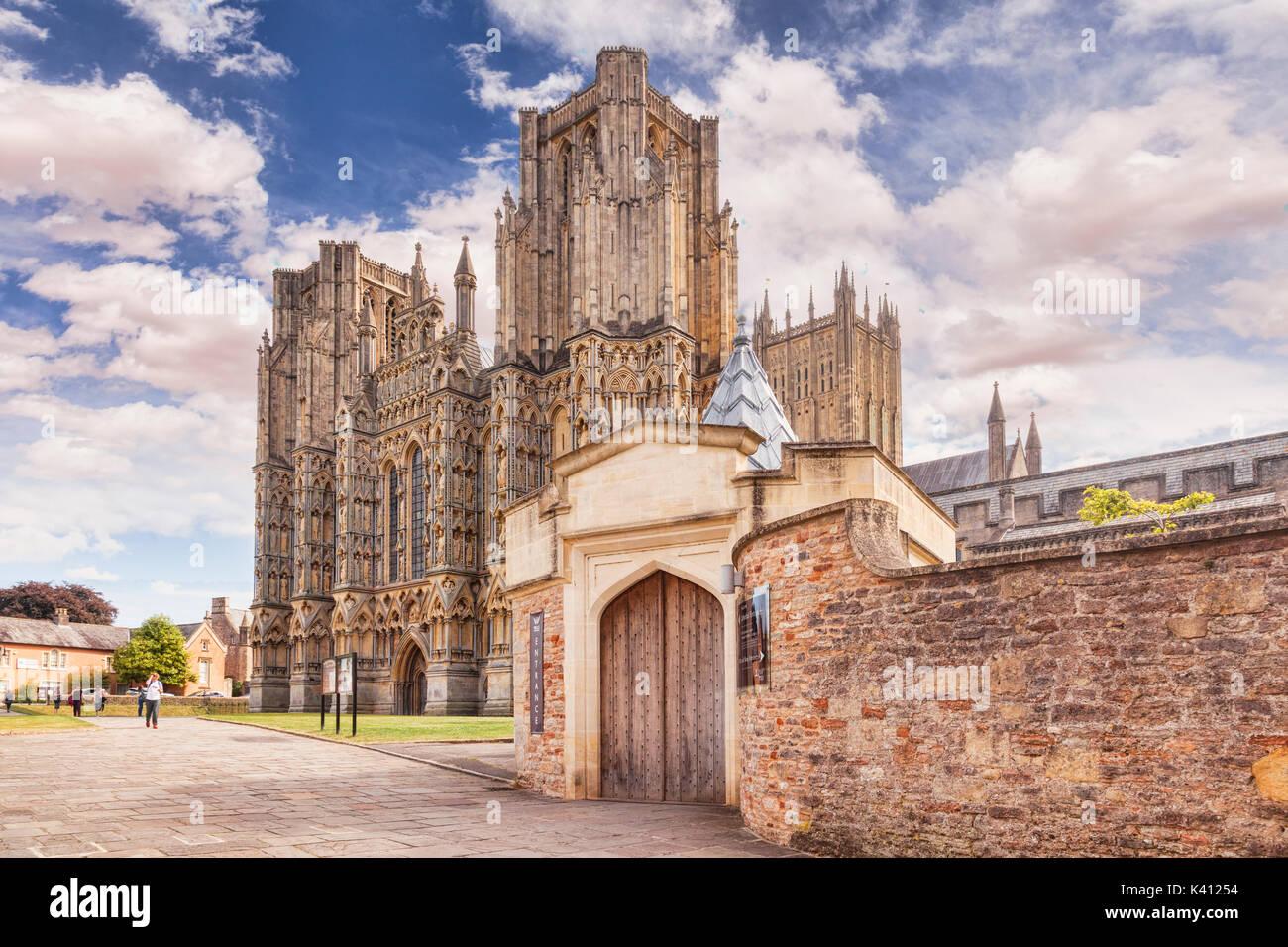 9 Juillet 2017: Wells, Somerset, England, UK - La Cathédrale, l'un des plus beaux et le siège de l'évêque de Bath et Wells. Banque D'Images