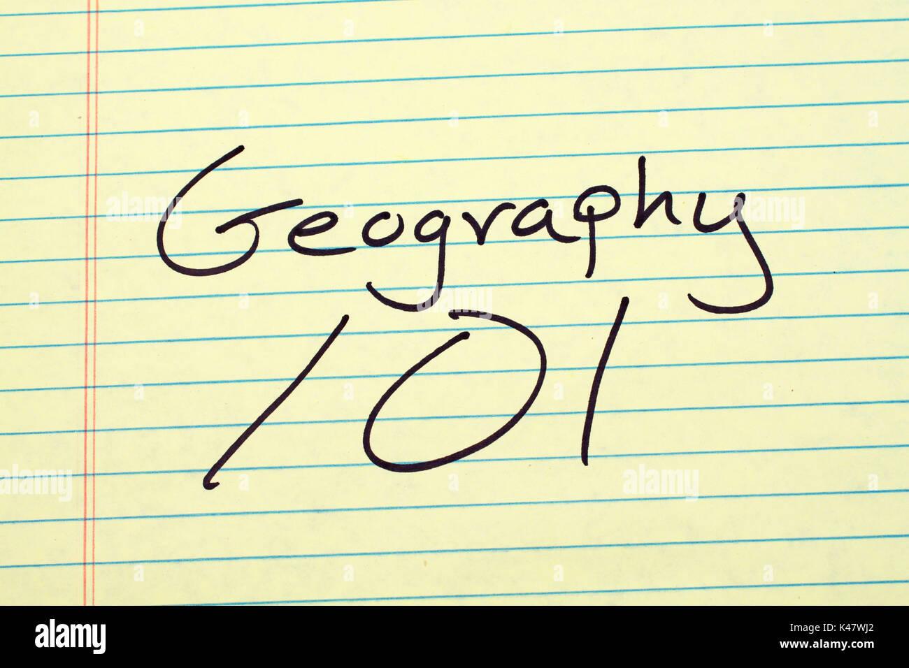 Les mots '101' géographie sur un tampon juridique jaune Photo Stock