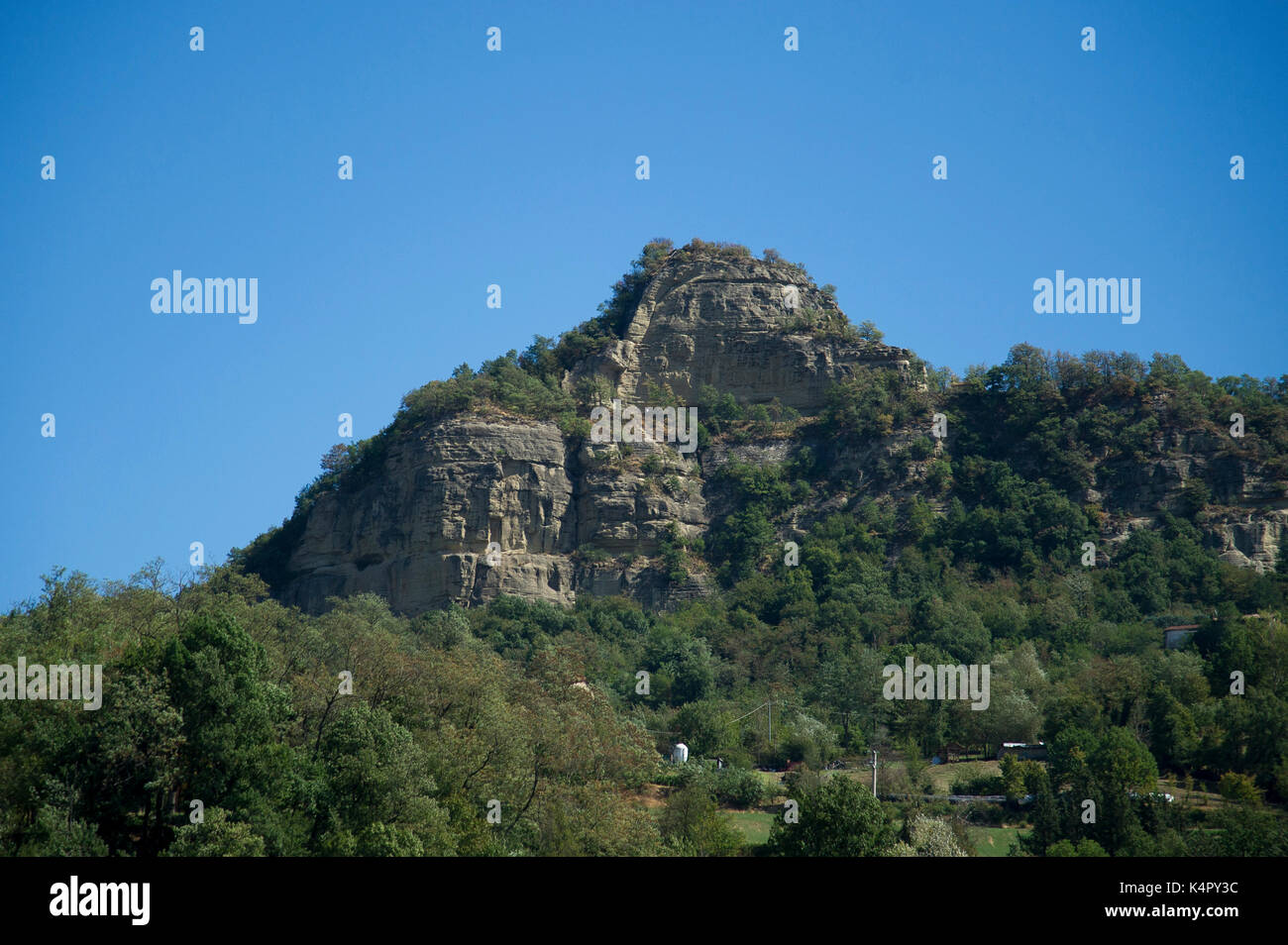 Emilian Apennin toscan montagnes de l'Autostrada A1 Milano-Napoli appelée Autostrada del Sole, en Italie. 1 Septembre 2017 © Wojciech Strozyk / Alam Photo Stock