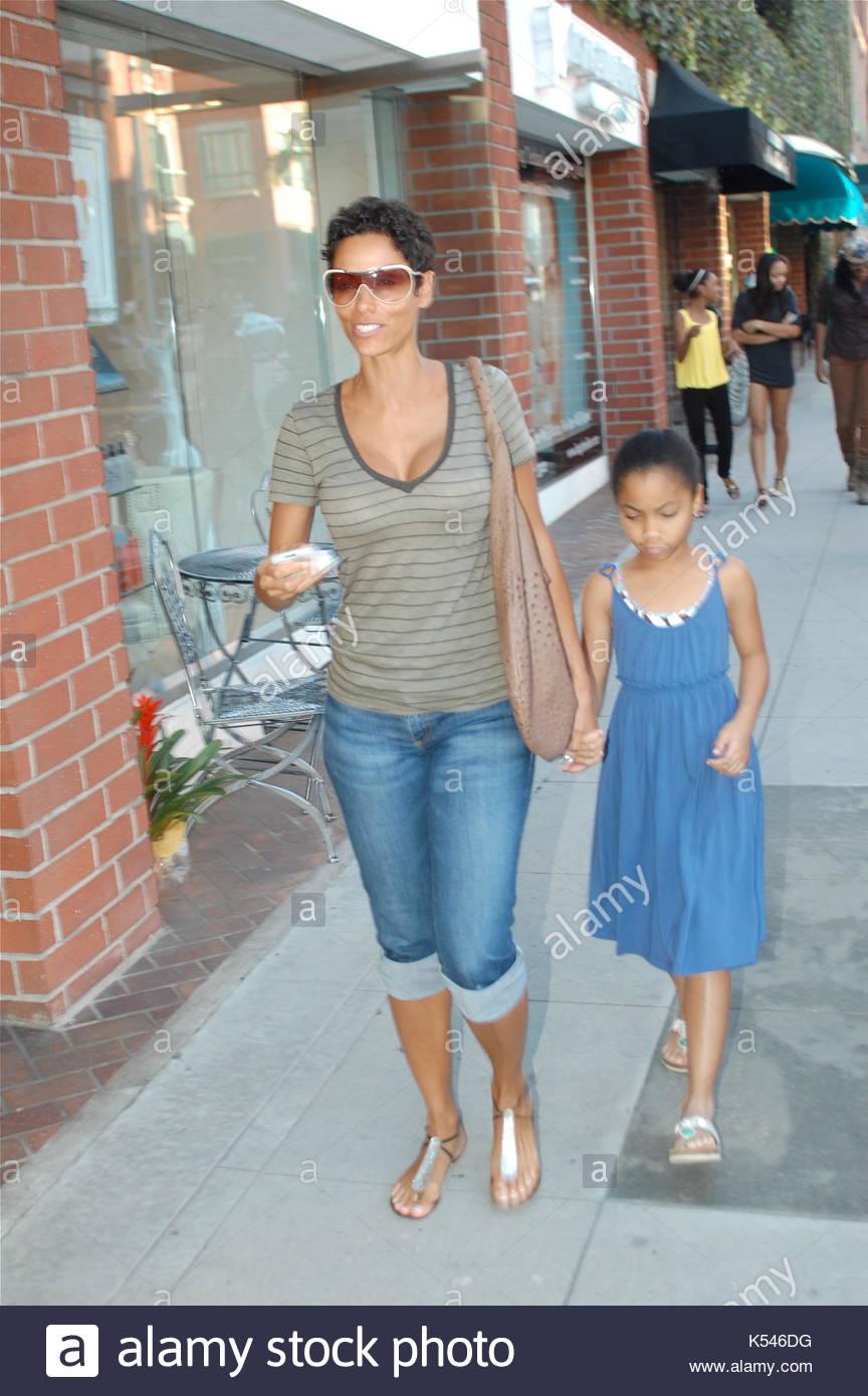 Nicole Murphy et sa fille, Bella. Nicole Murphy va au salon de ...