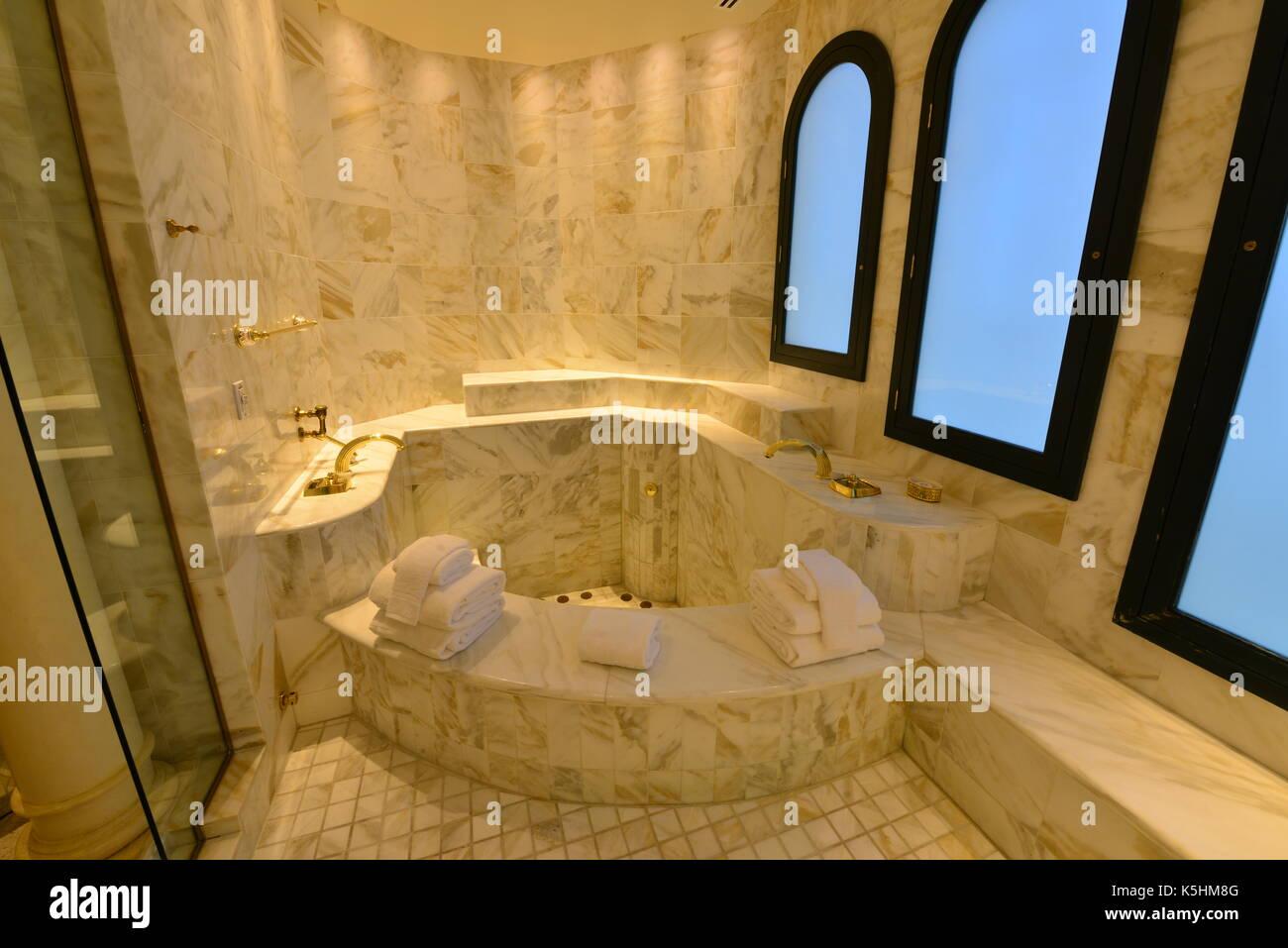 Hauteur Meuble Salle De Bain Vasque A Poser ~ la salle de bains la suite de l h tel hilton qu elvis presley