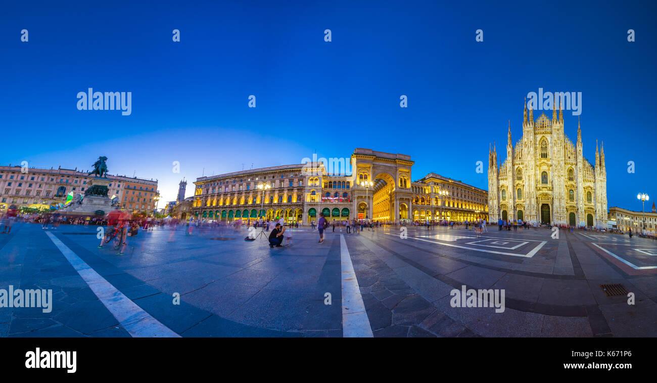 La cathédrale de Milan, Piazza del duomo de nuit, lombardia, Italie Photo Stock