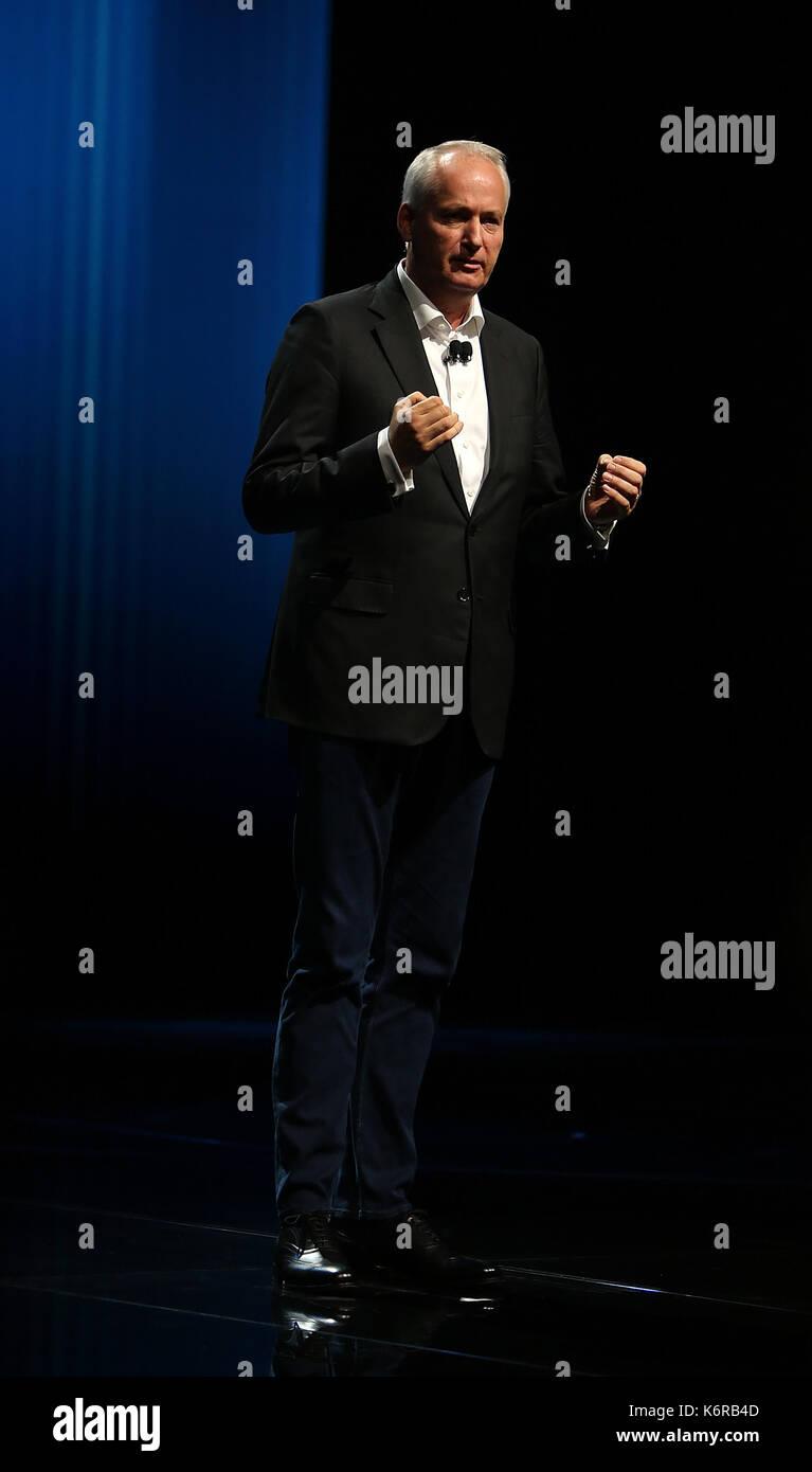 12.09.2017, messegelände, Francfort, 67. iaa pkw Frankfurt/Main, 14. - 24 septembre 2017. , im Bild pressekonferenz mercedes benz hubertus troska vorstandsmitglied der Daimler AG. Grande Chine photo: Cronos/hasan bratic Photo Stock