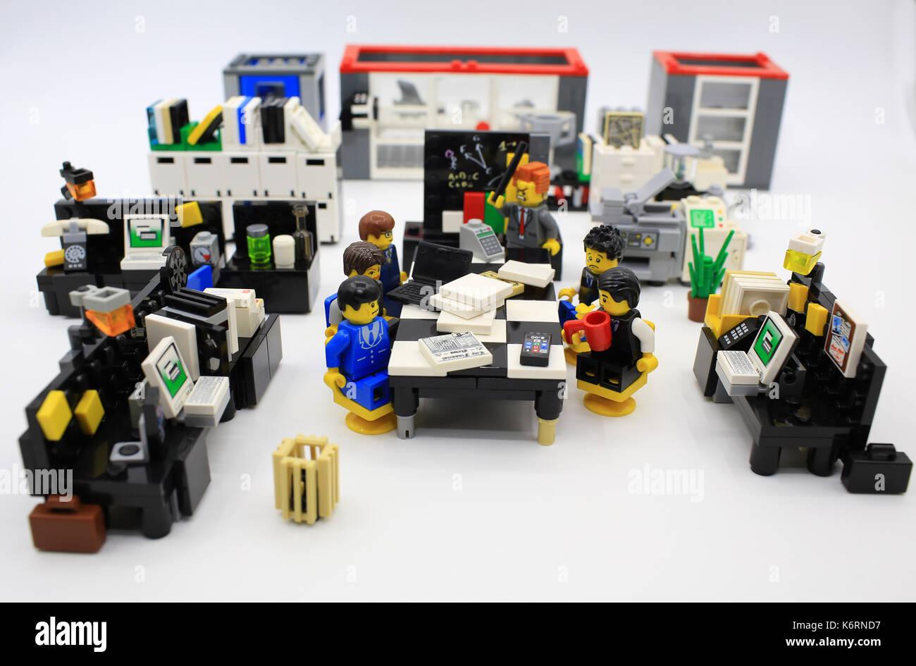 Bureau lego banque d images photo stock alamy