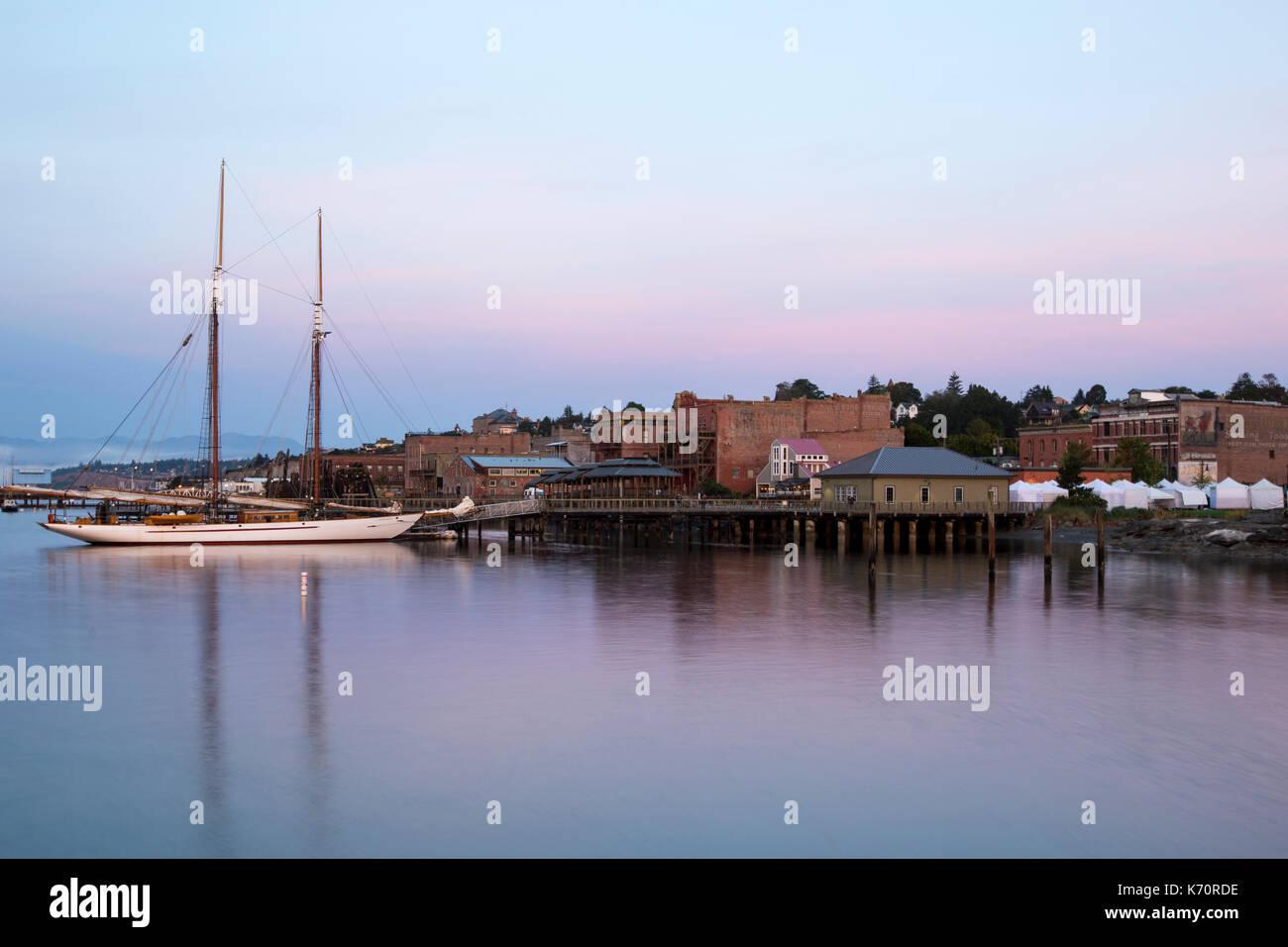 Bateau à voile voilier goélette en bois à louer centre ville de port townsend