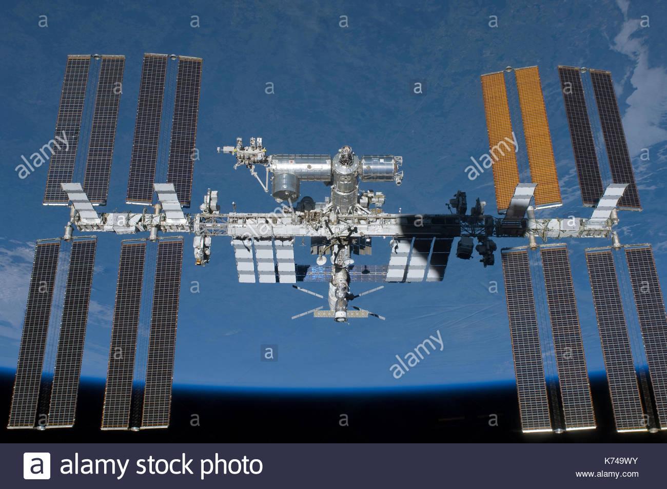 Ou ISS Station spatiale internationale. L'engin est un habitable satellite artificiel, en orbite terrestre basse. Éléments de cette image fournie par la NASA Photo Stock