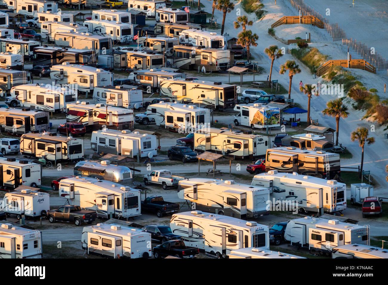 Caroline du Sud SC Océan Atlantique Myrtle Beach Myrtle Beach RV Park véhicules récréatifs voyage caravane remorque antenne camping du parc vue d'ensemble Photo Stock
