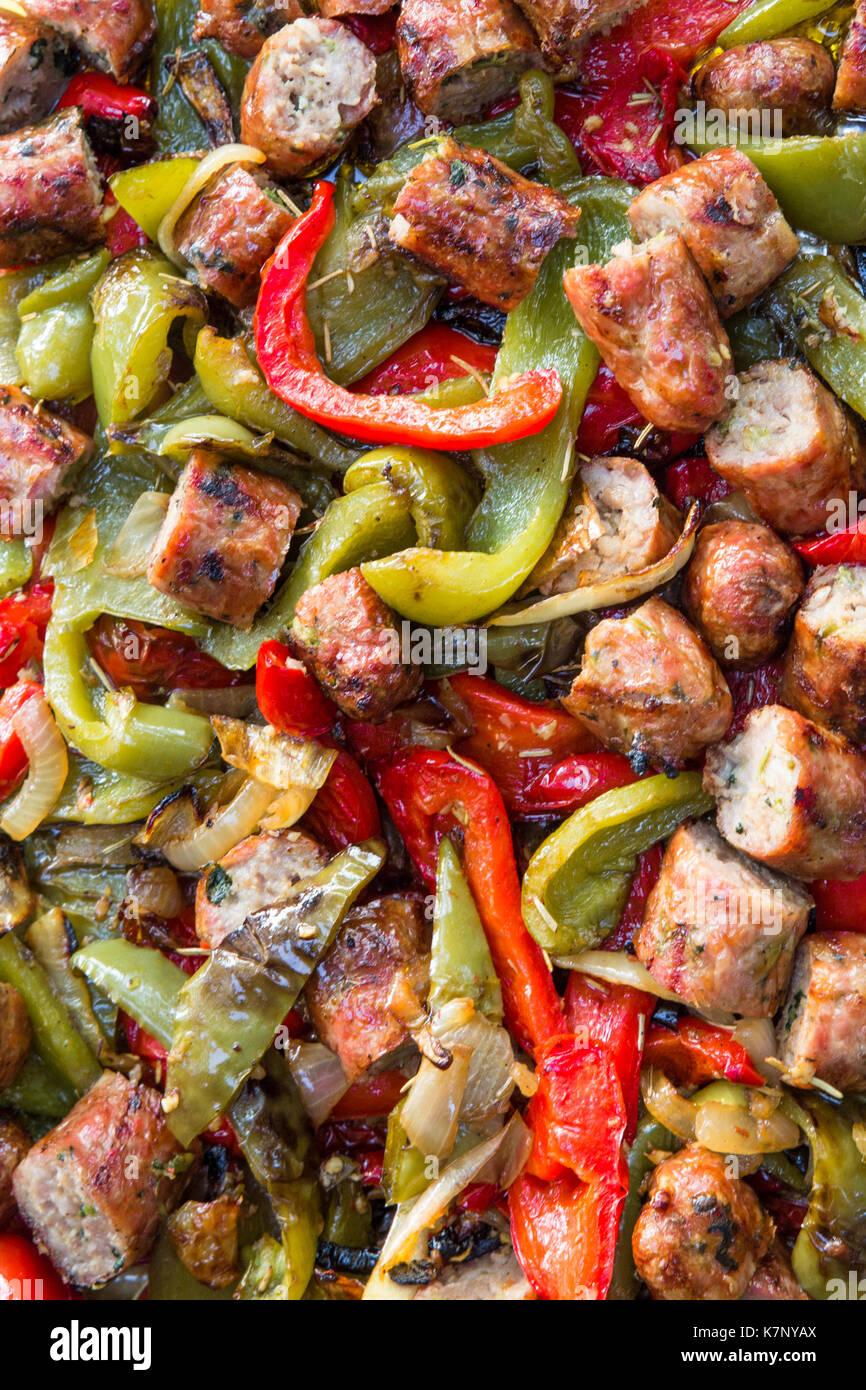 La cuisine italienne de la saucisse et aux poivrons Photo Stock