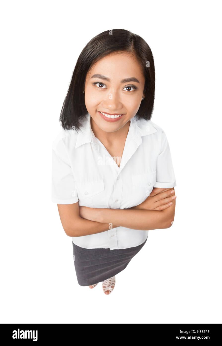 Top View portrait of smiling Asian Woman. En pleine longueur modèle isolé sur fond blanc. Belle fille avec ouvrir sourire brillant, face close-up. Bus Banque D'Images