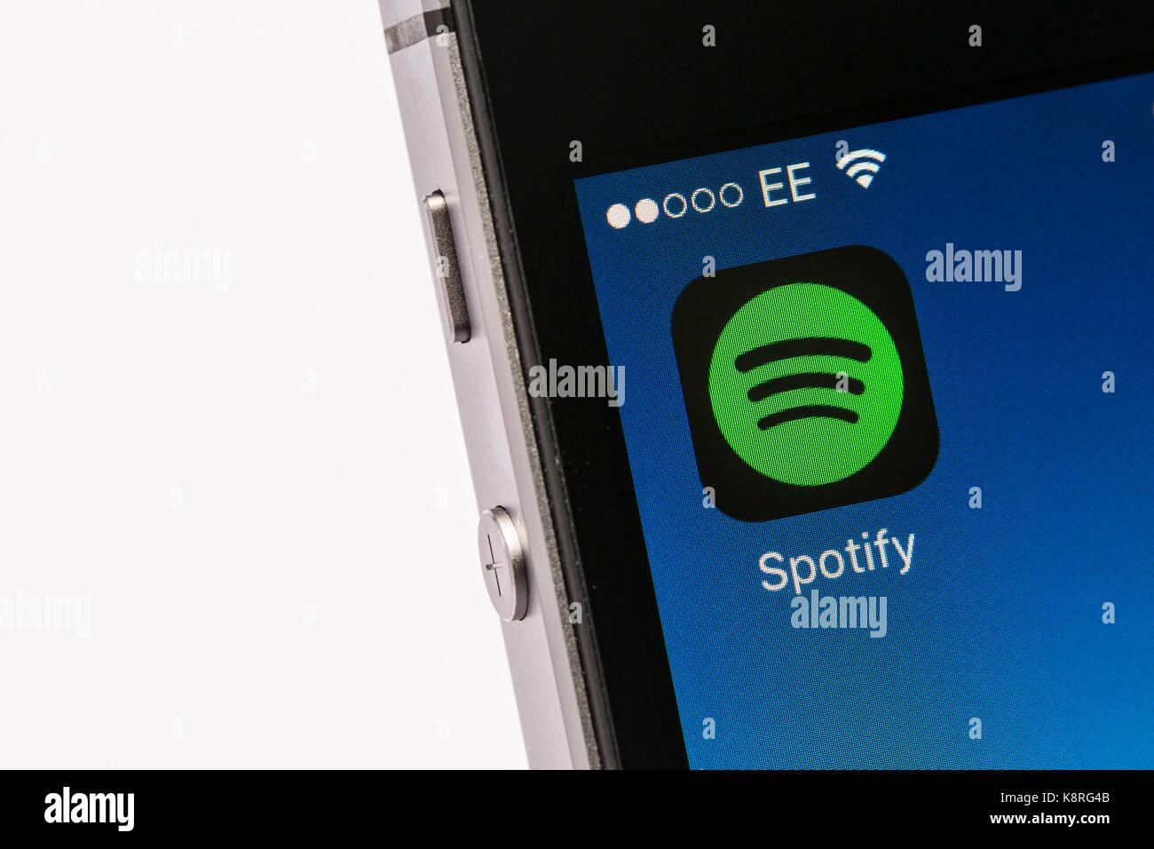 Spotify App sur un iPhone téléphone mobile Photo Stock