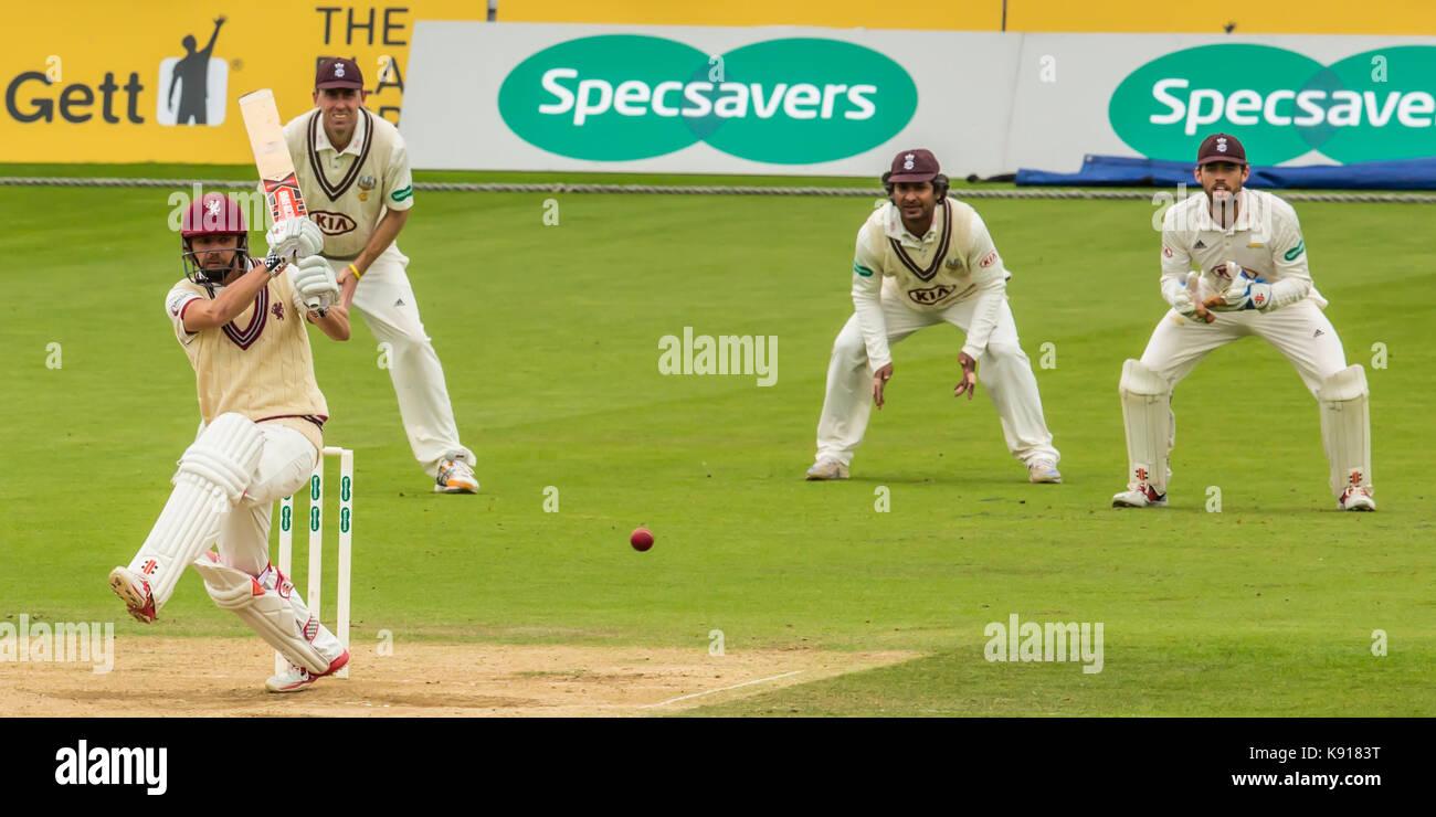 London,UK.21 Septembre 2017. James Hildreth batting pour Somerset contre Surrey sur la troisième journée du Championnat du comté de Specsavers match à l'Ovale. David Rowe/ Alamy Live News Banque D'Images