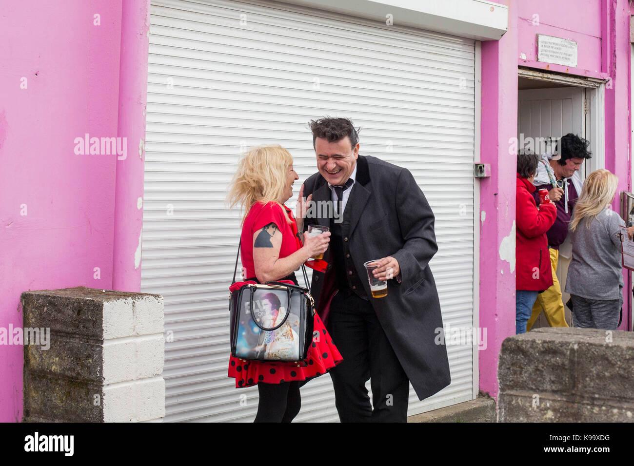 Porthcawl, Pays de Galles, Royaume-Uni. 22 sep, 2017. participants profitez d'un rire à l'extérieur Photo Stock