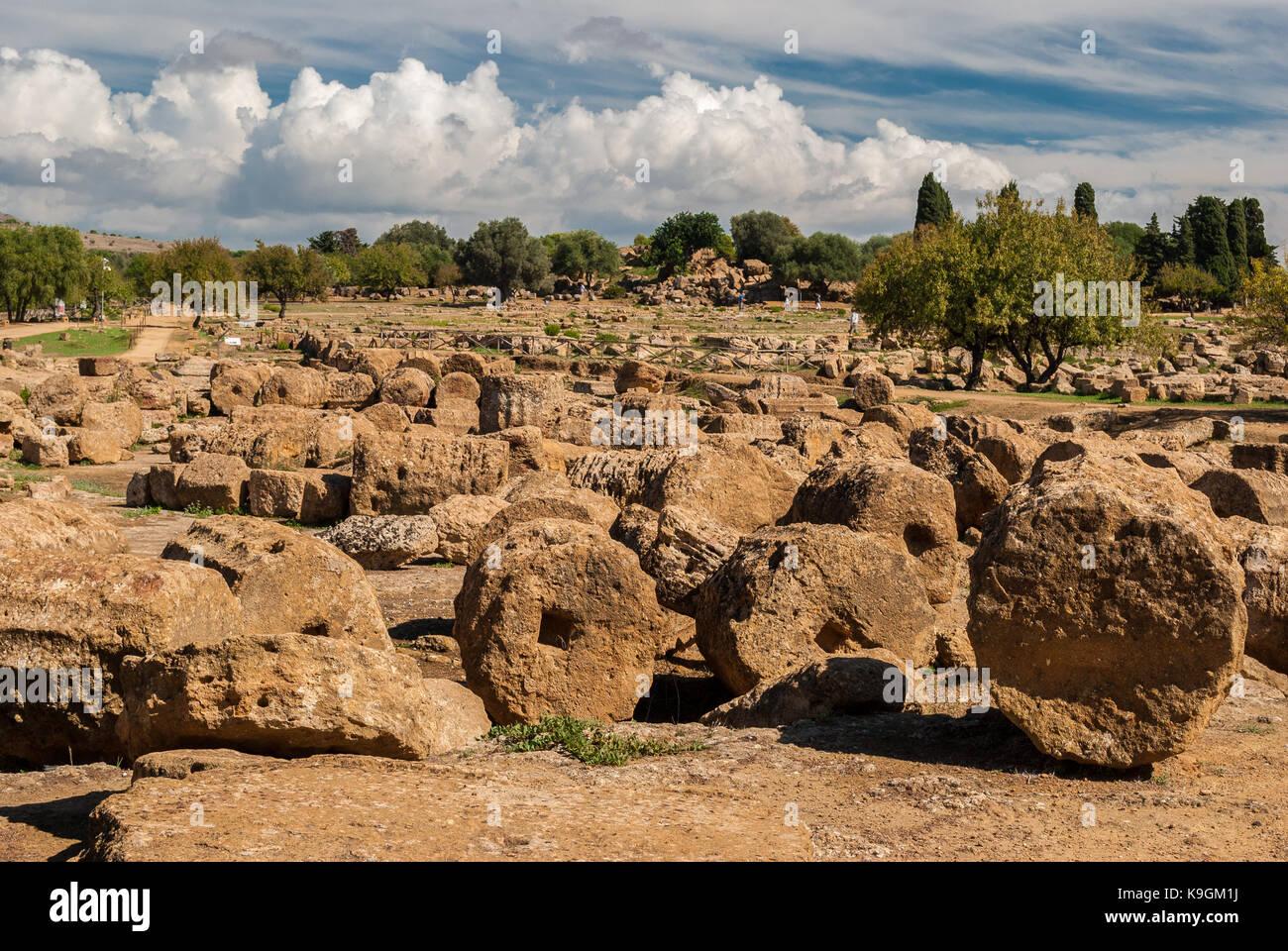 Ruines dans la vallée des temples d'Agrigente Photo Stock