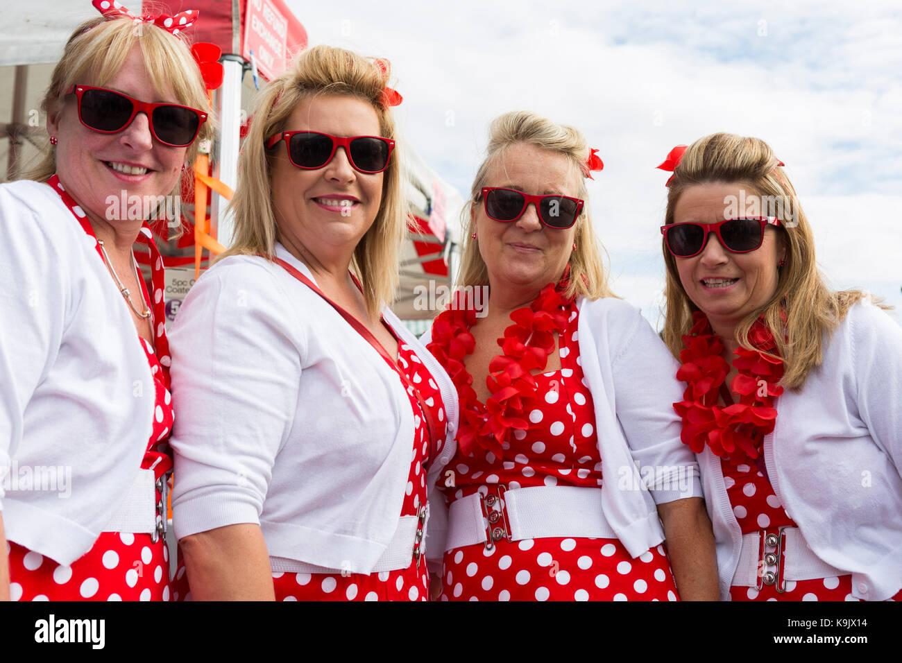 Wendy amis Lester, Sonia Sullivan, Gaynor Jones et Debbie Lee à l'Elvis Presley de Porthcawl Festival, Photo Stock