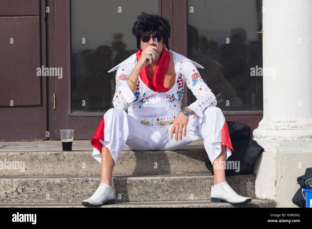 Elvis Presley look-a-like à la Elvis Festival à Porthcawl, au Pays de Galles Photo Stock