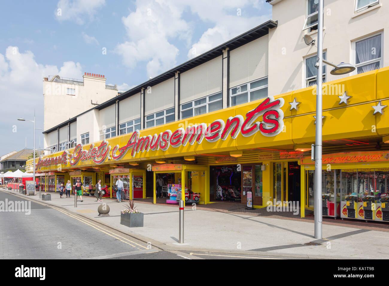 La gaieté de jeux électroniques, Pier Avenue, Clacton-on-Sea, Essex, Angleterre, Royaume-Uni Photo Stock