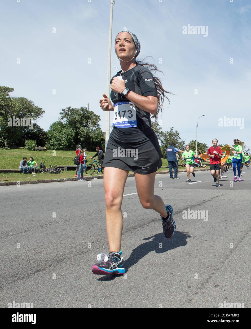 Montevideo, Uruguay - 24 septembre 2017: runner dans la course mondiale de l'énergie. Photo Stock
