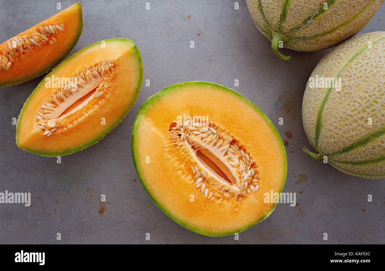 Cantaloups frais coupé en morceaux. Photo Stock