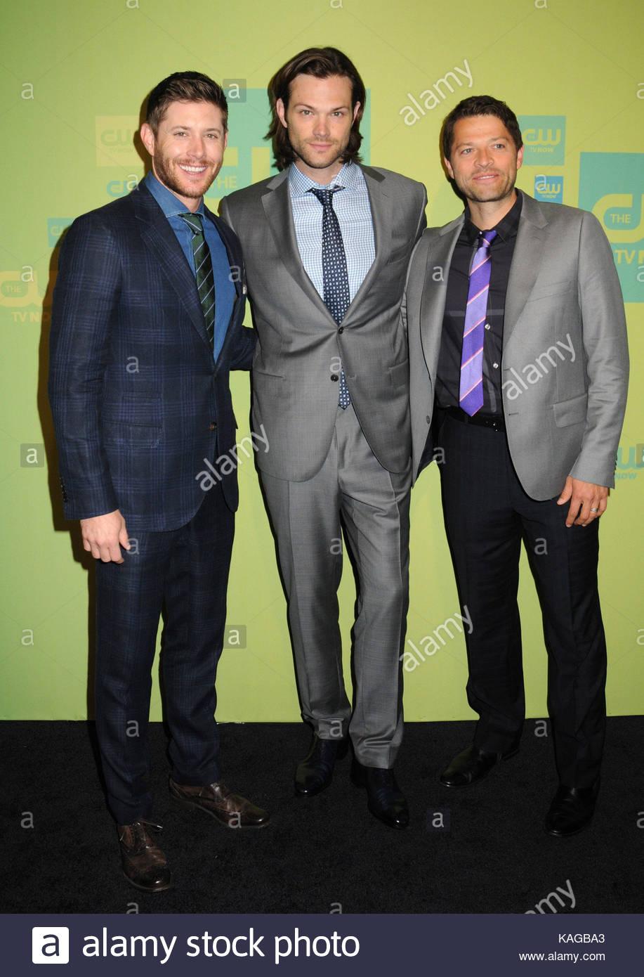 Jensen Ackles Jared Padalecki Et Misha Collins Les Acteurs Arrivent Pour La Cw Upfront 2014 Tenue A Lhotel London Passage Couvert New York