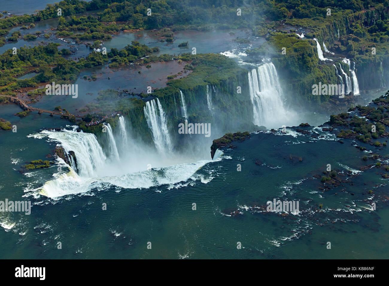 Passerelle et de la gorge du diable (garganta do diabo), chutes d'Iguaçu, Brésil - Argentine sur la frontière, l'Amérique Banque D'Images